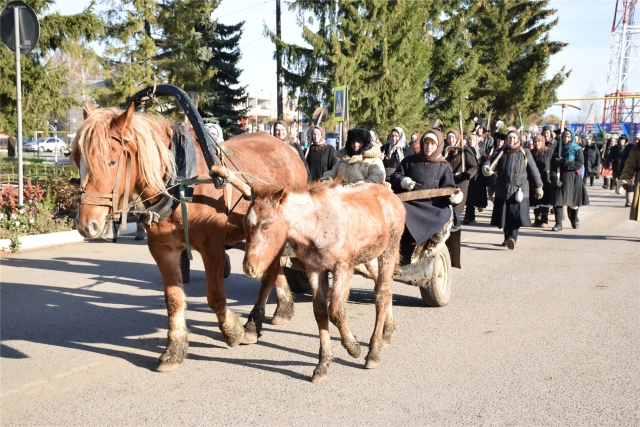 Красночетайский район: шествие возглавили упряжки с лошадьми
